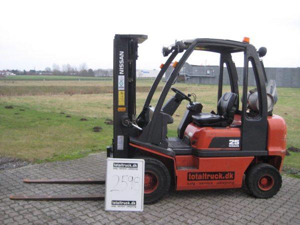 Nissan – UD02A25U – Gastruck – 2500 kg / 500 mm lastcenter