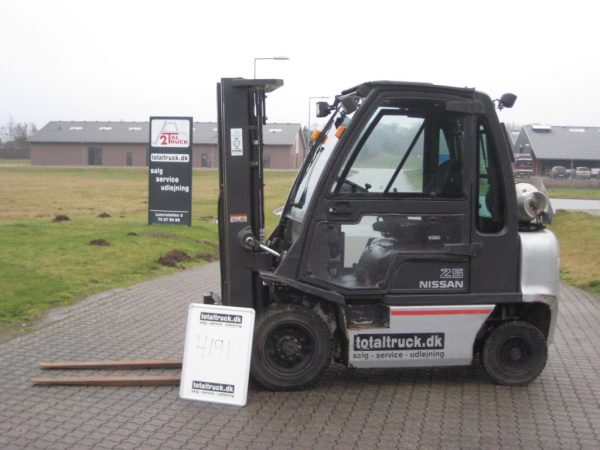 Nissan – UD02A25PQ – Gastruck – 2500 kg / 500 mm lastcenter