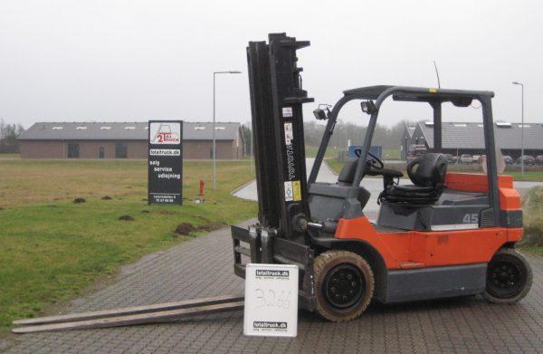 Toyota – 7FBMF45 – El-truck – 4500 kg / 500 mm lastcenter