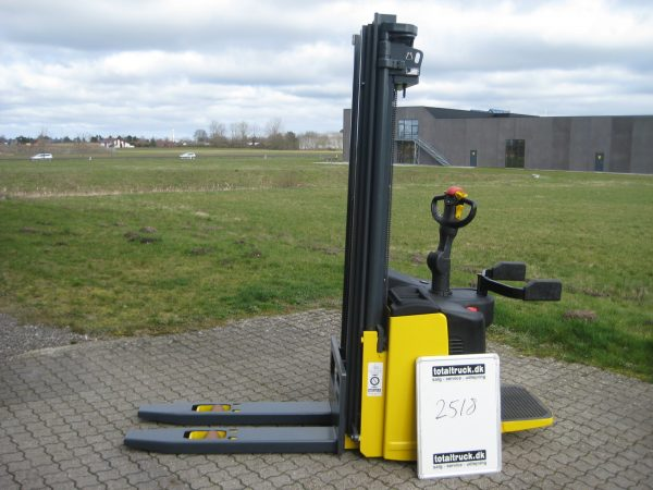 Komatsu – MWS14F – Stabler – 1400 kg / 600 mm lastcenter
